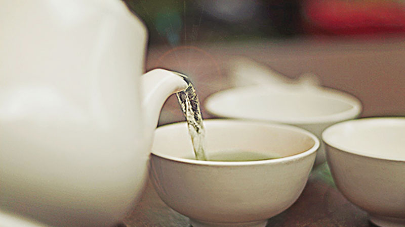 Why Chinese People Drink Hot Water ( A Relatively Brief History)